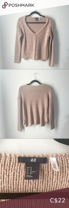 H&M Tan Chunky V-Neck Sweater Subtle high-low style Slits at the back on both sides of sweater Braided detailing on front 100% acrylic Excellent condition H&M Sweaters V-Necks Oversized Grey Sweater, Burgundy Sweater, Beige Sweater, Ribbed Sweater, Collared Sweatshirt, High Low, V Neck, Sweaters, Closet