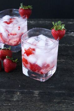 Strawberries & Cream Cocktail from Cake 'n' Knife  http://recipesjust4u.com/strawberries-cream-cocktail/