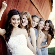 unique bridesmaid pose...maybe have them a little more fuzzy and more focus on bride