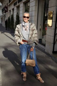 Linda v wright – Maison Bentley Style Over 50 Womens Fashion, Fashion Over 50, Linda V Wright, Mode Ab 50, Street Chic, Street Style, Moda Chic, Advanced Style, Looks Chic