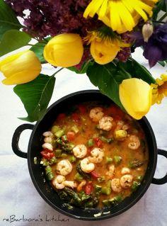 Krevety se zeleným chřestem | reBarbora's kitchen Chana Masala, Curry, Ethnic Recipes, Kitchen, Food, Cucina, Curries, Cooking, Essen