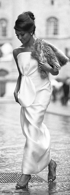 Glamour nights at the Chateau Parisienne Chic, White Fashion, Look Fashion, Glamour, Divas, Classy Girl, Classy Lady, Italy Wedding, Black And White Pictures