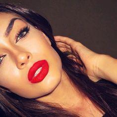 I love this lipstick color!