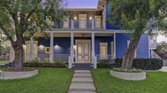Houston house owned by stars of TLC's 'The Little Couple' for sale for $1.2M - Although originally custom-built to accommodate the couple's height, the house recently was renovated to return the interior to a traditional scale. RDD