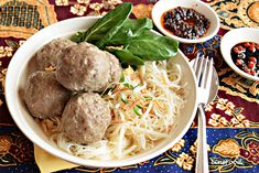 How to Make Bakso, Indonesian meatballs, perfect with noodles, rice or on their own.