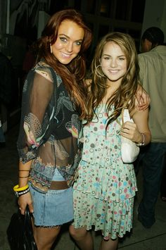 Another time she posed with Lindsay Lohan.   Dear God, There Are Children Who Don't Know Who JoJo Is