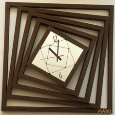 Makes me a bit dizzy.=µ) НАСТЕННЫЕ ЧАСЫ MADO image 1 Clock Art, Diy Clock, Clock Decor, Pallet Clock, Wall Clock Wooden, Cool Clocks, Modern Clock, Wall Clock Design, Creation Deco