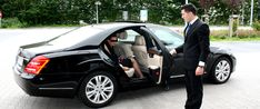 Airport Limousine Services in Charlotte, NC. http://signature-transportation.com/charlotte-airport-limo-services/