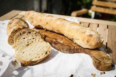 Aktuell mein Lieblingsbrot unter den hellen Broten: Das Pain Rustique! Es hat genau den Geschmack, den ich immer hinbekommen wollte und passt zu allem, wozu helles Brot eben so passt: Käse, Butter,...