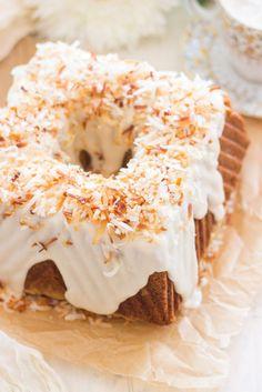 Coconut Pistachio Bundt Cake - The Gold Lining Girl Homemade Cake Recipes, Cupcake Recipes, Cookie Recipes, Dessert Recipes, Cooking Wine Recipes, Baking Recipes, Cupcakes, Cupcake Cakes, Bundt Cakes