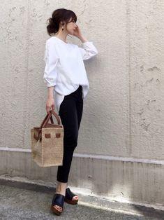 AZUL ENCANTOのシャツ・ブラウス「【洗濯機で洗える】ピンタックレースブラウス」を使ったari☆のコーディネートです。WEARはモデル・俳優・ショップスタッフなどの着こなしをチェックできるファッションコーディネートサイトです。