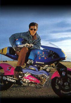 John Britten, New Zealander who decided to build a race bike. what a bike! Motorcycle Images, Motorcycle Art, Motorcycle Design, Custom Metal Fabrication, Yamaha Bikes, Motorcycle Companies, Car Engine, Vintage Racing, Sport Bikes