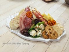 Consider doing smaller charcuterie platters and boards or even individual options. Appetizer Display, Appetizer Plates, Appetizer Recipes, Individual Appetizers, Appetizers For Party, Party Food Platters, Cheese Platters, Brunch Mesa, Catering Food Displays