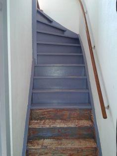 Leuning in donker grijs met wit donker grijze vloerbedekking trappenhuis pinterest met - Hoe om te schilderen een trap ...
