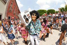 Desfile de los locos San Miguel Allende