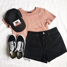 Summer Outfits 2018 Shorts many Summer Teenage Outfits For Sale for Cute Summer Outfits For Older Ladies Cute Casual Outfits, Short Outfits, Shorts Outfits For Teens, Earthy Outfits, Running Outfits, Outfit With Black Shorts, Black Cap Outfit, Cute School Outfits, Vans Outfit Girls