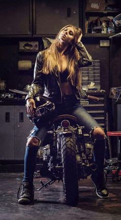 Custom Culture Bobber & Chopper Motorcycles Style, Tattoo and Fashion / Clothing Lifestyle Inspirations
