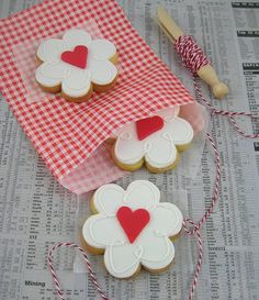 my favorite designs -heart in daisy -this is a must do