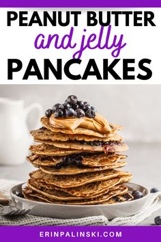 These peanut butter pancakes taste even better with a grape juice syrup! It's a classic take on peanut butter and jelly. Try these PB Healthy Breakfast Options, Best Breakfast Recipes, Breakfast Smoothies, Breakfast Dishes, Best Pancake Recipe, Pancake Recipes, Vegan Recipes Easy, My Recipes, Low Calorie Pancakes