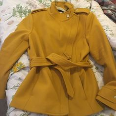 2a25dab4e06a8f Authentic Ted Baker Mustard Color. Ted Baker Size 5   US size 12