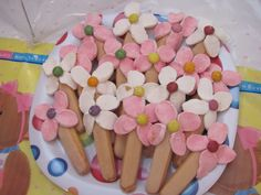 marshmallow & finger biscuit flowers