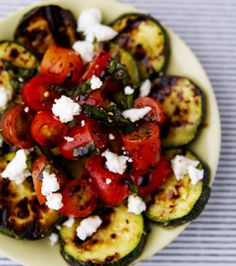 Summer Salad-cherry tomatoes, zucchini, goat cheese, basil, and balsalmic vinegar! Maybe feta cheese not goat I Love Food, Good Food, Yummy Food, Tasty, Summer Salad Recipes, Summer Salads, Grilled Zucchini, Grilled Vegetables, Veggies