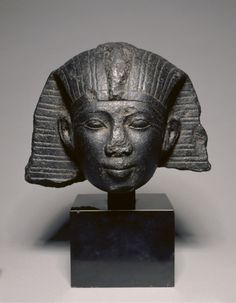 Head of a King, c. 1069-715 BC Egypt, Third Intermediate Period, Dynasty 21 or 22, 1069-715 BC granodiorite, Overall - h:27.50 w:35.00 d:28.40 cm (h:10 13/16 w:13 3/4 d:11 1/8 inches).  | Cleveland Museum of Art