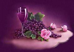 Tsara Cigana:   Vinho Cigano O vinho pode ser servido tanto quen...