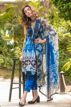 This season, Ethnic by Outfitters Festive Collection 2018 flutters between traditional fantasy and classicism. You will be maharani in your own when you will go to attend any Eid party wearing any number from this summer lawn collection. Eid Party, Party Wear, Eid Collection, Summer Collection, Buy Dresses Online, Chiffon Dresses, Pakistani, Lawn, Festive
