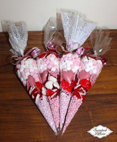 más y más manualidades: Bellos regalos de San Valentín con bolsas de cono