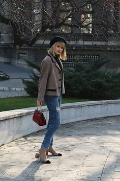 Get this look: http://lb.nu/look/8891277  More looks by Ana Vukosavljevic: http://lb.nu/anavukosavljevic  Items in this look:  Vintage Blazer, Pull & Bear Jeans, Vintage Bag, Shoes Of Prey Shoes, New Yorker  Beret   #chic #street #vintage #beautystuffbyana #anavukosavljevic