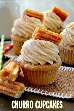 de Mayo Cupcakes are bursting with cinnamon sugary goodness in every bite! Perfect for Cinco de Mayo or any occasion that calls for a moist, sweet and fluffy cinnamon-spiced cupcake topped with a crispy churro! Churro Cupcakes, Fun Cupcakes, Cupcake Cakes, Amazing Cupcakes, Cinnamon Cupcakes, Mexican Cupcakes, Spice Cupcakes, Delicious Cupcakes, Gourmet Cupcakes
