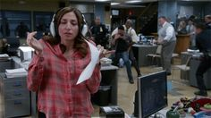 """15 Times Gina Linetti From """"Brooklyn Nine-Nine"""" Was A True Queen - When she took her job *very* seriously. 15 Times Gina Linetti From « Brooklyn Nine-Nine Brooklyn Nine Nine Gina, Brooklyn 9 9, Chris Pratt, Seinfeld, Parks And Recreation, Chelsea Peretti, Andy Samberg, Series Movies, Great Hair"""