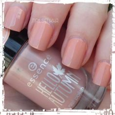 Essence Hello Autumn 04 Keep calm & go for a walk #essence #helloautum #coldtermoeffect #nails #notd #manicure #nailart #polish #nailspolish #nailartadict #cutepolish #cool #fashion #nailideas #manicura #esmalte #uñas #unhas #nailsporn