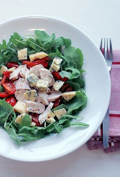 Quick Healthy Lunch Alternative: Blue, Cheese, Arugula, Cherry Tomatoes and Chicken Chunks