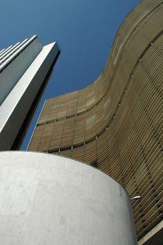 Edificio Copan - Oscar Niemeyer - São Paulo Oscar Niemeyer, Archi Design, Facade Design, Facade Architecture, Beautiful Architecture, Style International, Concrete, Homeland, Towers