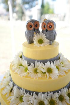 Love the Owl Toppers! @Offbeat Bride