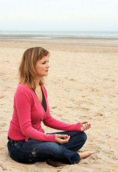 Crea conciencia de cada capa que te envuelve, desde el cuerpo hasta la capa más profunda (el alma) con esta secuencia. #BeWell #Breathe #Relax #Zen