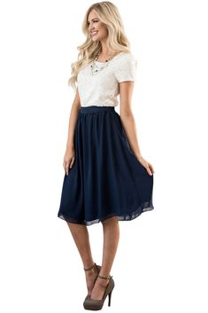 navy blue skirt Gorgeous so feminine knee-length -- it the perfect skirt! Great choice for LDS Sister Missionaries. Knee-Length Chiffon Modest Skirt in Navy . Skirt Outfits Modest, Modest Skirts, Navy Skirt Outfit, Muslim Fashion, Modest Fashion, Fashion Outfits, Apostolic Fashion, Modest Clothing, Dress Fashion