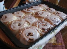 I have a bread maker and use it frequently to make all kinds of dough. It really… I have a bread maker and use it frequently to make all kinds of dough. It really saves time and gives your dough a professional consistency. Bread Machine Cinnamon Rolls, Cinnamon Bun Recipe, Cinnamon Bread, Salsa, Bread Maker Recipes, Cake Recipes, Icing Ingredients, Pinch Recipe, How To Make Bread