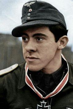 Oberleutnant Gerhard Thyben (1922-2006), Staffelkapitän 7./Jagdgeschwader 54, Ritterkreuz 06.12.1944, Eichenlaub (822) 08.04.1945