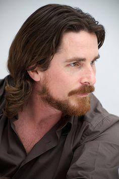 Christian Bale can sport a beard like NO OTHER!!