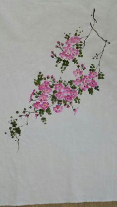 찔레꽃~~ : 네이버 블로그 Fabric Painting, Fabric Art, Painting On Wood, Painting & Drawing, Watercolor Paintings, Watercolor Flowers Tutorial, Hand Painted Sarees, Oriental Flowers, Fabric Paint Designs