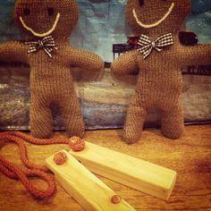Knitted Gingerbread Men and Hyoshigi