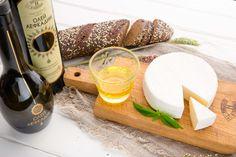 Сыр — это бесспорно вкусный и полезный продукт. В нём много витаминов и микроэлементов, необходимых для организма человека. Но самое ценное в сыре — пожалуй, высокое содержание пищевого белка, который включает в себя все незаменимые аминокислоты. В 100 г мягких сортов сыра, таких как «Камамбер Лефкадии», содержится примерно 30-40 г белка. Суточная же потребность человека в этом веществе рассчитывается из соотношения 1 г / 1 кг массы тела