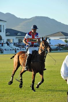 Val de Vie Wine & Polo Estate, Paarl - Val de Vie Wine & Polo Estate (between Paarl and Franschoek) has during 2013 experienced a increase in own title transfers (sales) Polo Classic, Luxury Life, South Africa, Riding Helmets, Cape, Glamour, Lifestyle, Animals, Mantle