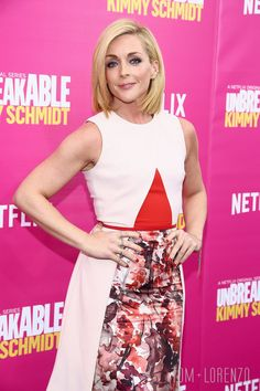 Jane-Krakowski-Unbreakable-Kimmy-Schmidt-Season-2-Premiere-Red-Carpet-Fashion-Bibhu-Mohapatra-Tom-Lorenzo-Site (1)