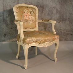 Armchair in chippendale style. 1950 - 1955