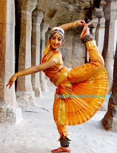 Indian Dance - An Indian dancer of 'Sri Devi Nrithyalaya' - Chennai (Madras), Tamil Nadu, India. This Indian dance-style of Bharatanatyam is one of the classical Indian dances. In this dance-form, the jewellery and costumes play an important role. Most dances of India have a spiritual basis.