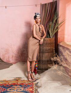 Вдохновением для новой летней коллекции от Alena Goretskaya стала Африка. Это яркая цветовая палитра, смешение стилей, анималистические и этнические принты, натуральные материалы, фурнитура и, конечно же, авторские аксессуары, которые дополнили и завершили образы, ярко отражающие стиль коллекции. #alenagoretskaya #аленагорецкая #лето2020 #летнийобразженский #летнийобраз #тренды2020 #мода2020 #летнийобразнаработу #весна2020 #африка #образналето #платье #аксессуары2020 #аксессуары #лен #хлопок